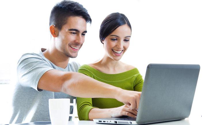 Quanto mais você posta falando sobre o namoro, mais baixa autoestima você tem – diz pesquisa