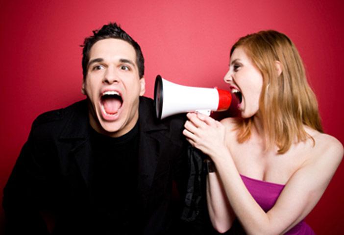 Homens não escutam mulheres por mais de 6 minutos, diz pesquisa