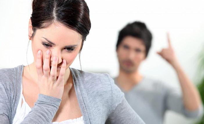 """Meu namorado só me humilha: fala até que """"sou larga"""" e não dou prazer pra ele!!"""