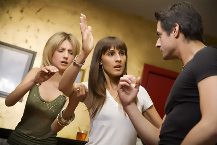 O que faz as pessoas não conseguirem sair de um relacionamento abusivo?